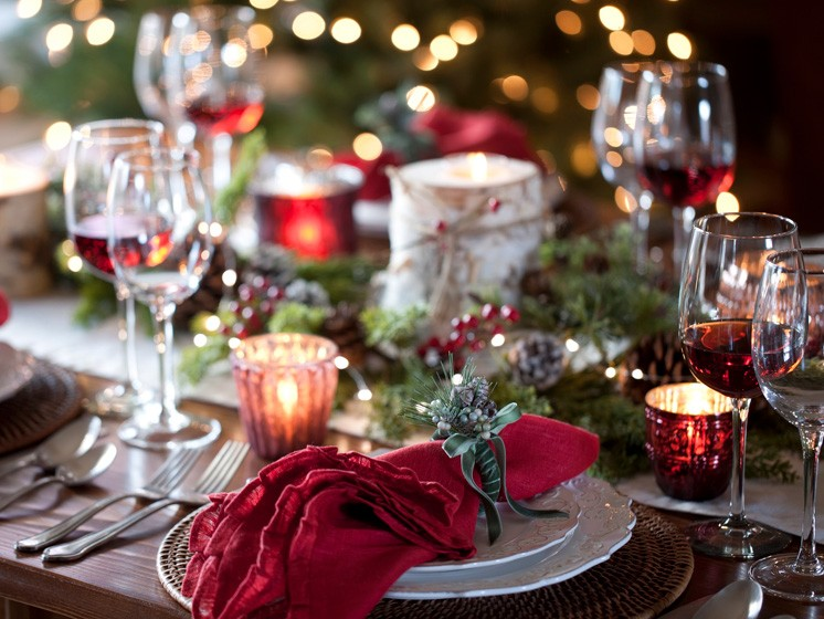 10 creativas y económicas decoraciones para tu mesa de Navidad